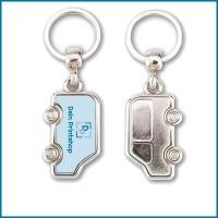 MV: Schlüsselanhänger aus Metall - Auto-Form